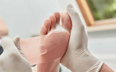 Nie lekceważ stopy cukrzycowej – w takiej sytuacji warto być pod stałą opieką lekarza podologa