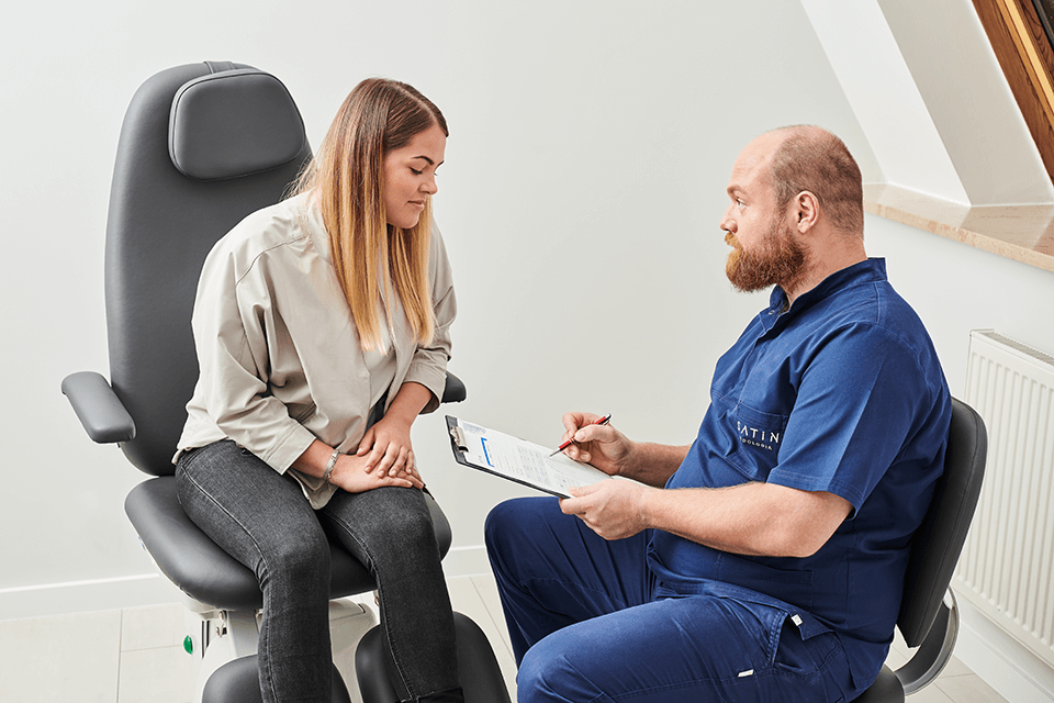 Klinika Satin – na czym polega podstawowy zabieg podologiczny?